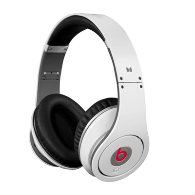 Beats Studio by Dr. Dre weiss